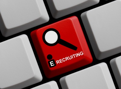 Recruiting with HRIS and Social Mesia
